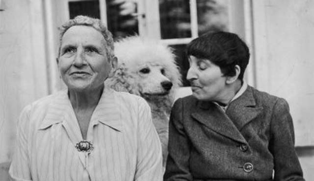 gertrude-stein-and-alice-toklas_bkig